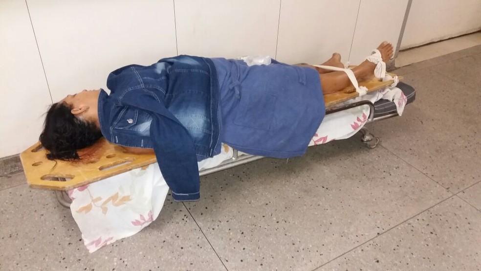 Socorrida para o Hospital Walfredo Gurgel, Rose Damiana Gomes da Silva permanece em maca no corredor (Foto: Divulgação/ família)