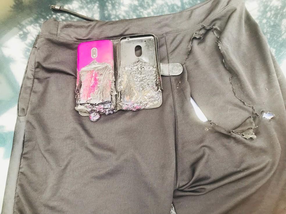 Celular explodiu e chegou a rasgar bermuda de homem em SP (Foto: G1 Santos)