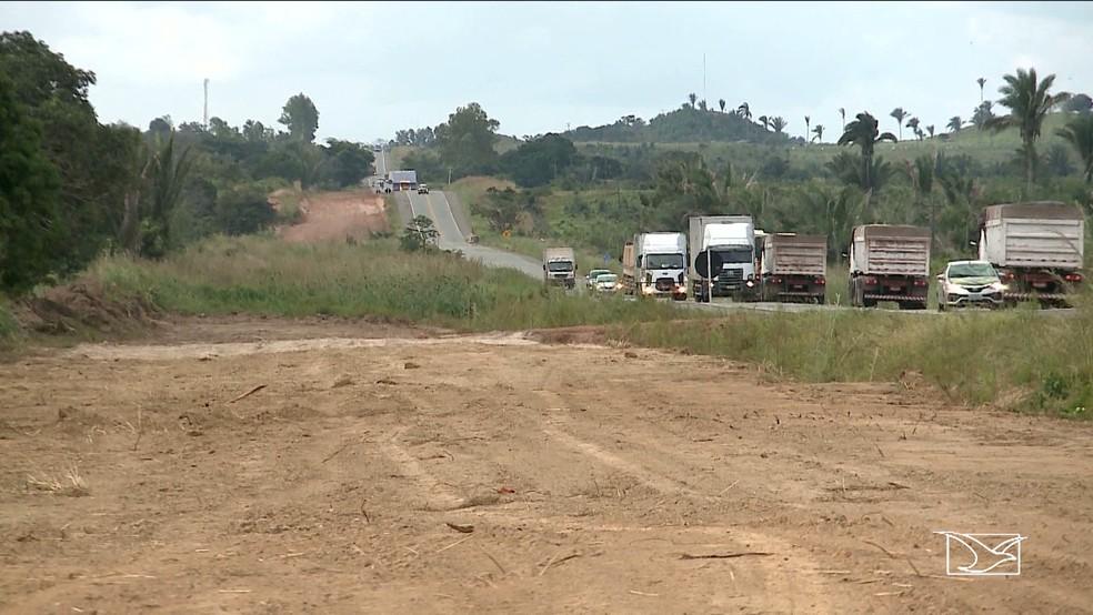 Projeto da obra prevê que a duplicação da rodovia passe por dentro de trechos onde existem comunidades quilombolas (Foto: Reprodução/TV Mirante)