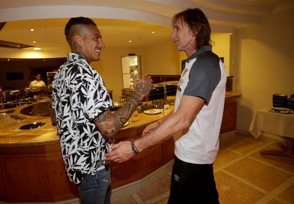 Guerrero e o técnico Gareca (Foto: Divulgação / Peru)