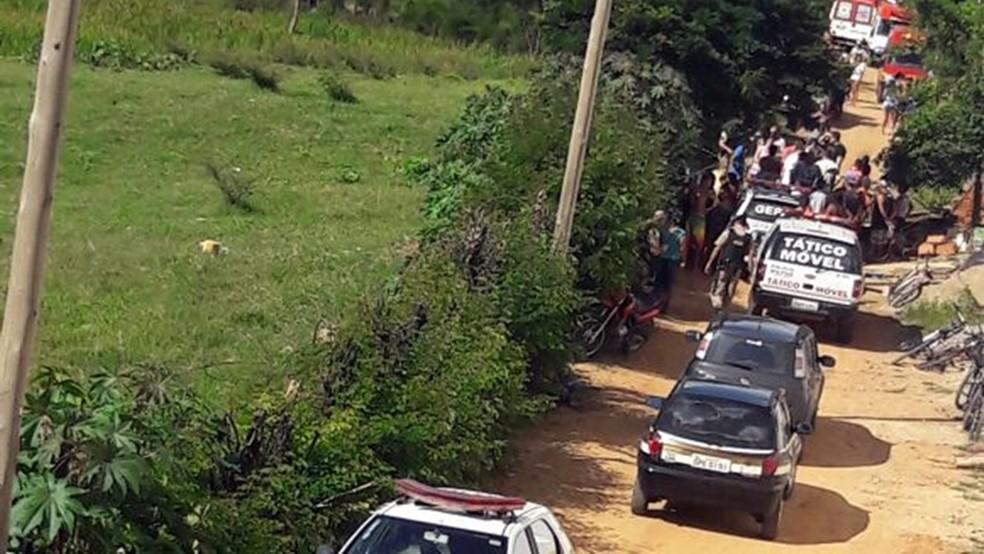 Três homens são mortos a tiros após discussão de casal em bairro de Itajubá (MG) (Foto: Reprodução EPTV)