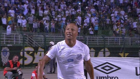 Sampaoli explora versatilidade de Carlos Sánchez, maestro do Santos em jogo decisivo contra o RB