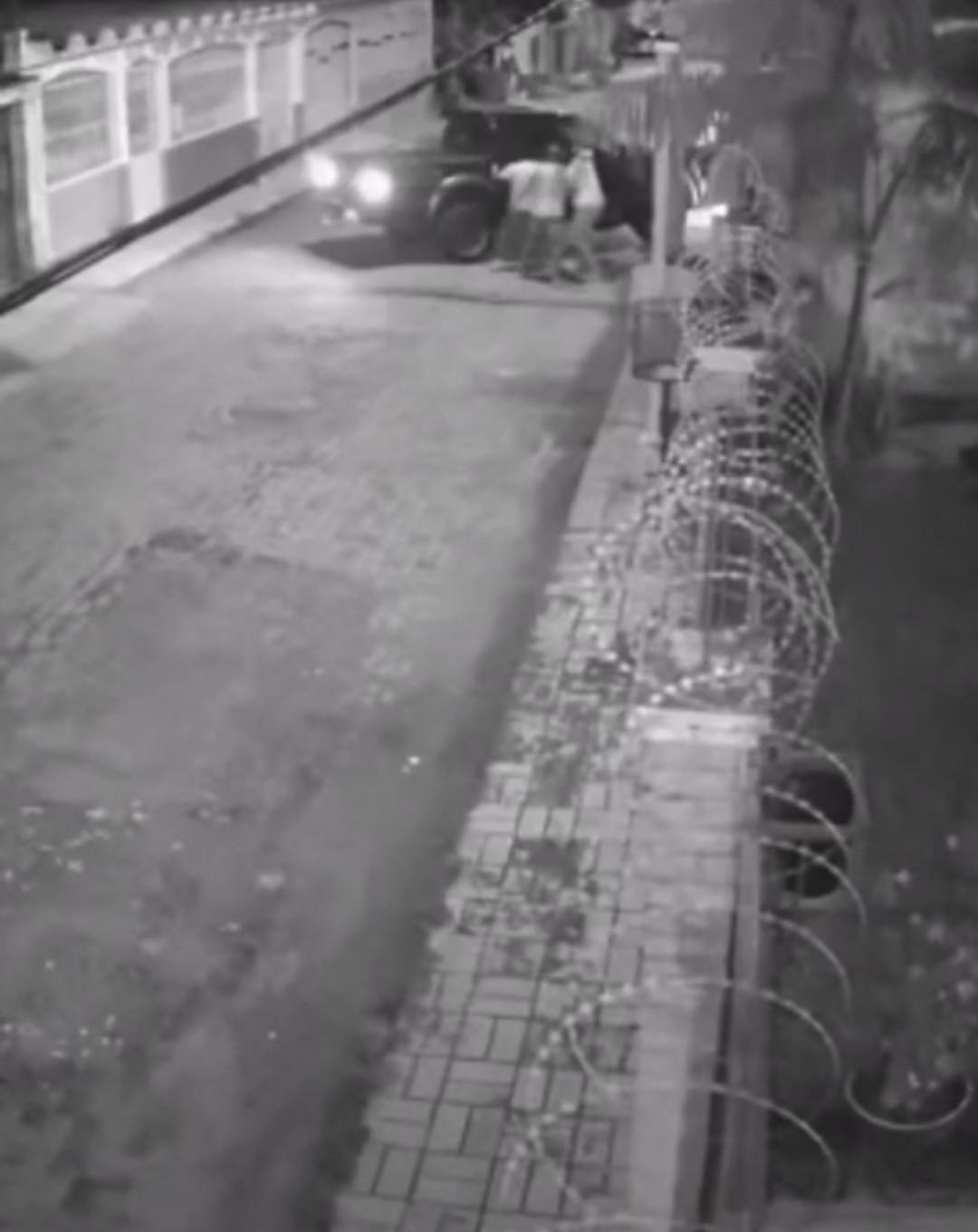 Motorista é feito refém durante assalto em Rio Branco; ação foi flagrada por câmeras de segurança