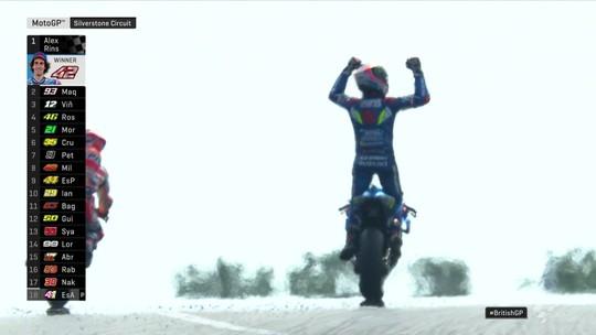 Álex Rins vence Marc Márquez por uma roda em duelo espanhol na MotoGP em Silverstone