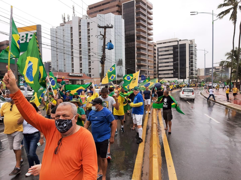 Apoiadores de Bolsonaro realizam ato em Maceió em defesa do voto impresso