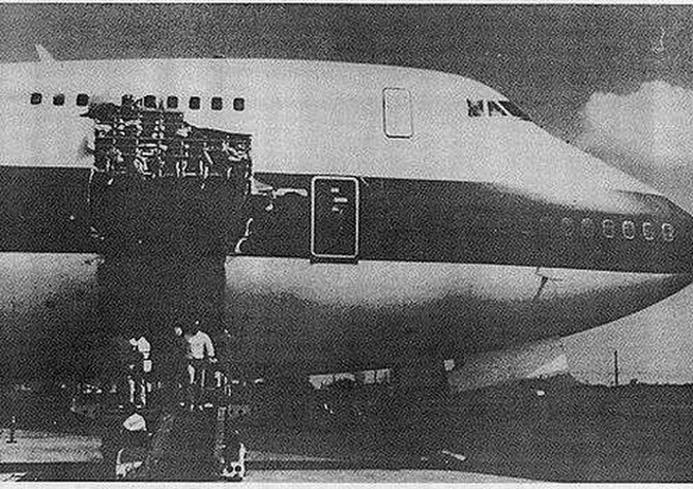 Relatório concluiu que a porta de carga abriu por causa de uma falha elétrica — Foto: NATIONAL TRANSPORTATION SAFETY BOARD (NTSB)/BBC