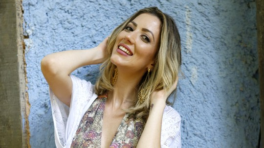Fernanda Liberato, do 'BBB16', entrega atração por Renan e avisa: 'As meninas estão dando bobeira'