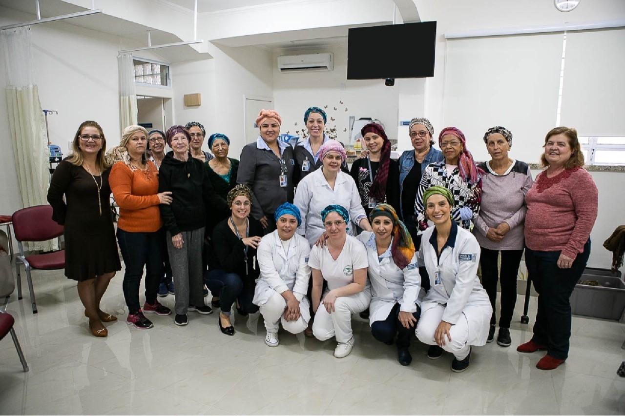 Complexo Hospitalar Santa Casa promove oficina de lenços - Notícias - Plantão Diário