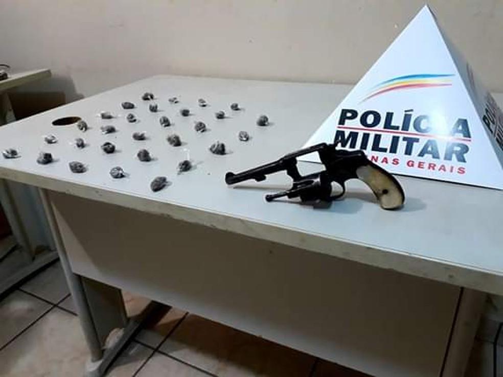 Arma usada pelo autor foi apreendida pela polícia  — Foto: Polícia Militar/Divulgação
