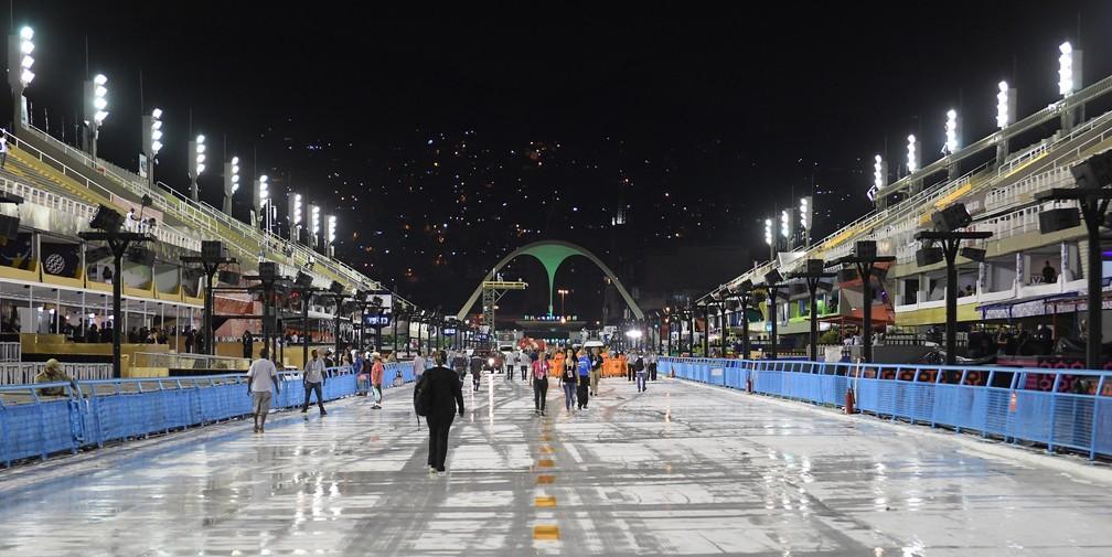 Sambódromo da Marquês de Sapucaí na primeira noite dos desfiles da Série A — Foto: Alexandre Durão/G1