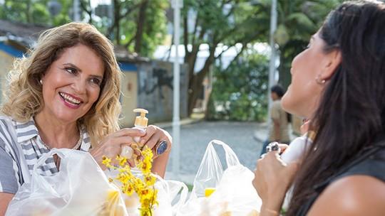 Cuidados com o bebê? Ana ensina Carol a cuidar da pequena Giuliana