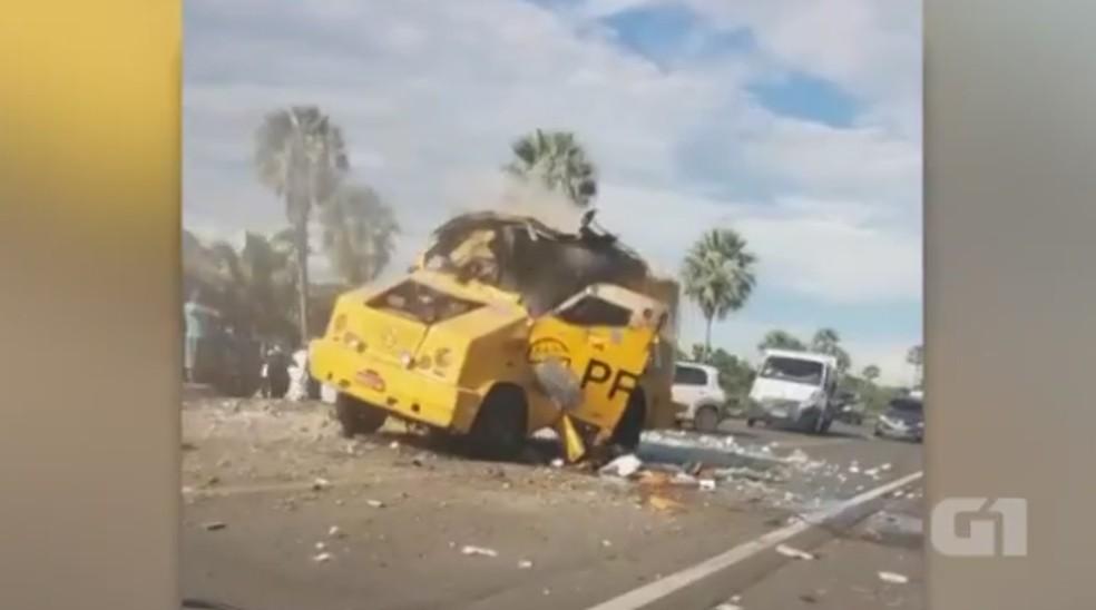 Bandidos explodiram carro-forte no Piauí (Foto: Reprodução)