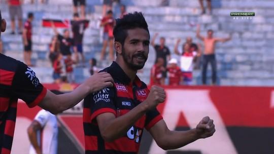 Jonathan completa três anos no Atlético-GO, relembra gol na estreia e quer novo acesso