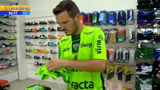 Camisas esgotadas, gol à la Messi e tudo verde: Avenida espera Grêmio na semifinal