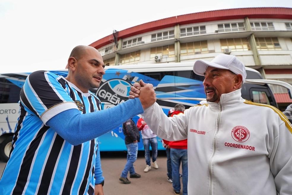 Torcidas deixam rivalidade de lado e se unem para ajudar pessoas em situação de rua no Gigantinho, em Porto Alegre — Foto: Joel Vargas/PMPA