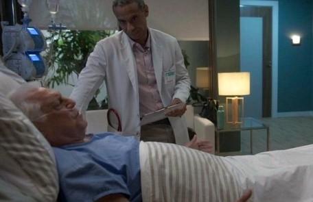 Na quinta-feira (19), Mauri (Jorge Lucas) ficará preocupado com o estado de saúde de Alberto TV Globo