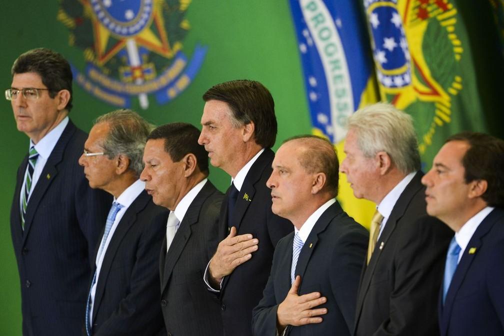 Jair Bolsonaro participa da cerimônia de posse dos presidentes dos bancos públicos — Foto: Marcelo Camargo/Agência Brasil