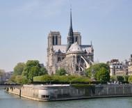 Reconstrução da Catedral de Notre-Dame deverá ser fiel à original