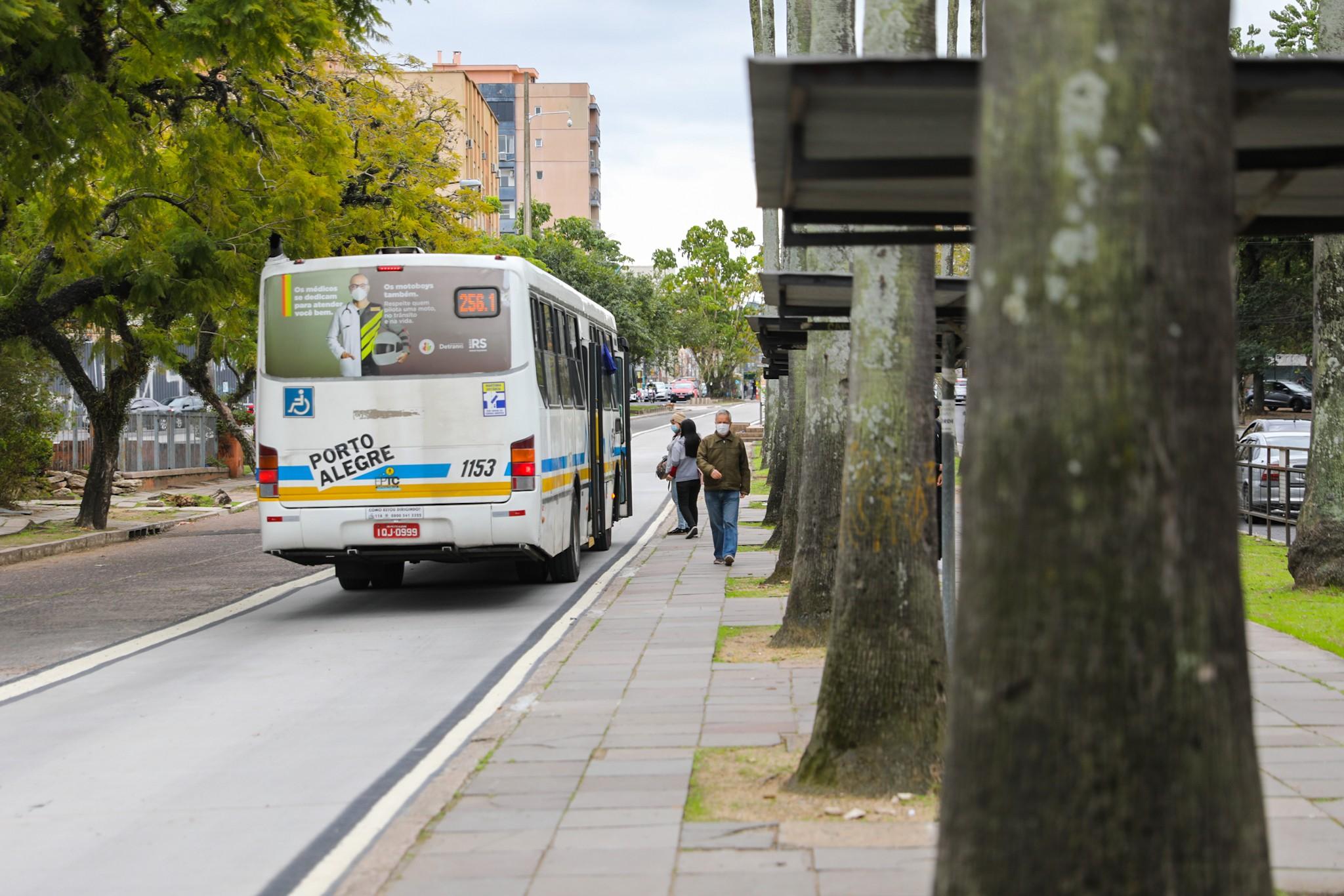 Prefeitura de Porto Alegre amplia horários de linhas de ônibus; veja mudanças