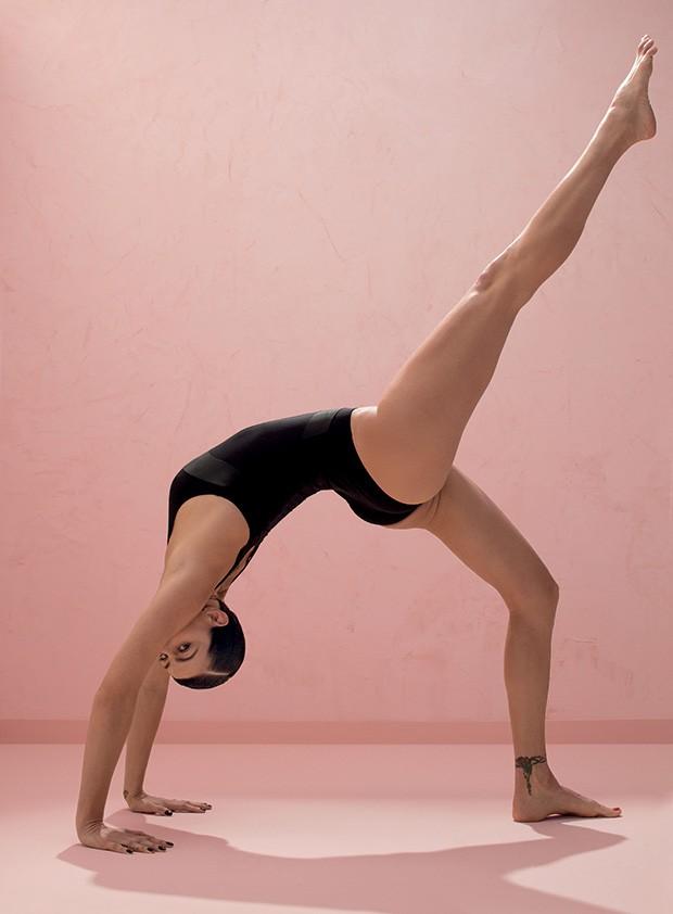 Isabeli Fontana - Foi por meio da ioga que a top entendeu  que precisava olhar para dentro. Com a prática, aprendeu a respirar nos momentos  difíceis e valorizar o que realmente importa  (Foto: Karine Basílio)