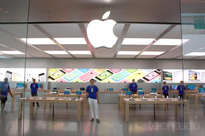 Frente da Apple Store (Foto: Allan Melo / TechTudo)