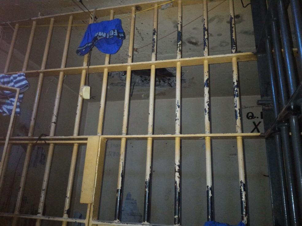 No momento da fuga, a cadeia de Jandaia do Sul tinha 78 detentos. A capacidade ideal seria de 18 presos, conforme policiais (Foto: Divulgação/Polícia Civil)