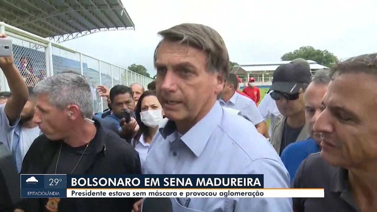Bolsonaro causa aglomeração em Sena Madureira, no AC