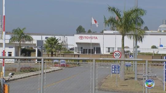 Reunião discute plano de ação para reencaminhar trabalhadores que serão demitidos da Toyota