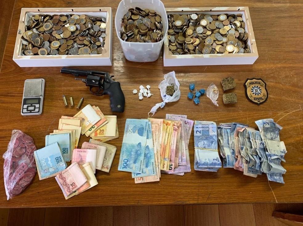 Material apreendido pela polícia durante operação em Passo Fundo — Foto: Polícia Civil/Divulgação