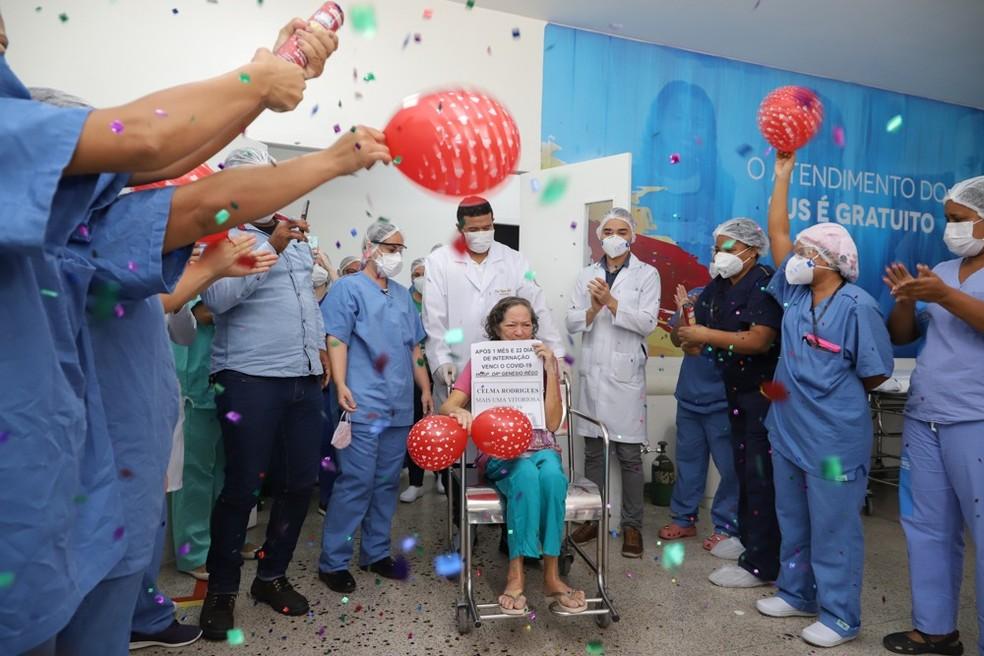 Paciente Celma Rodrigues vence coronavírus no Maranhão — Foto: Julyane Galvão