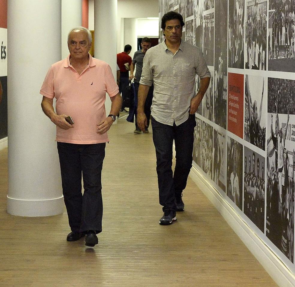 Carlos Augusto de Barros e Silva, o Leco, presidente do São Paulo, e Raí, executivo de futebol — Foto: Marcos Ribolli
