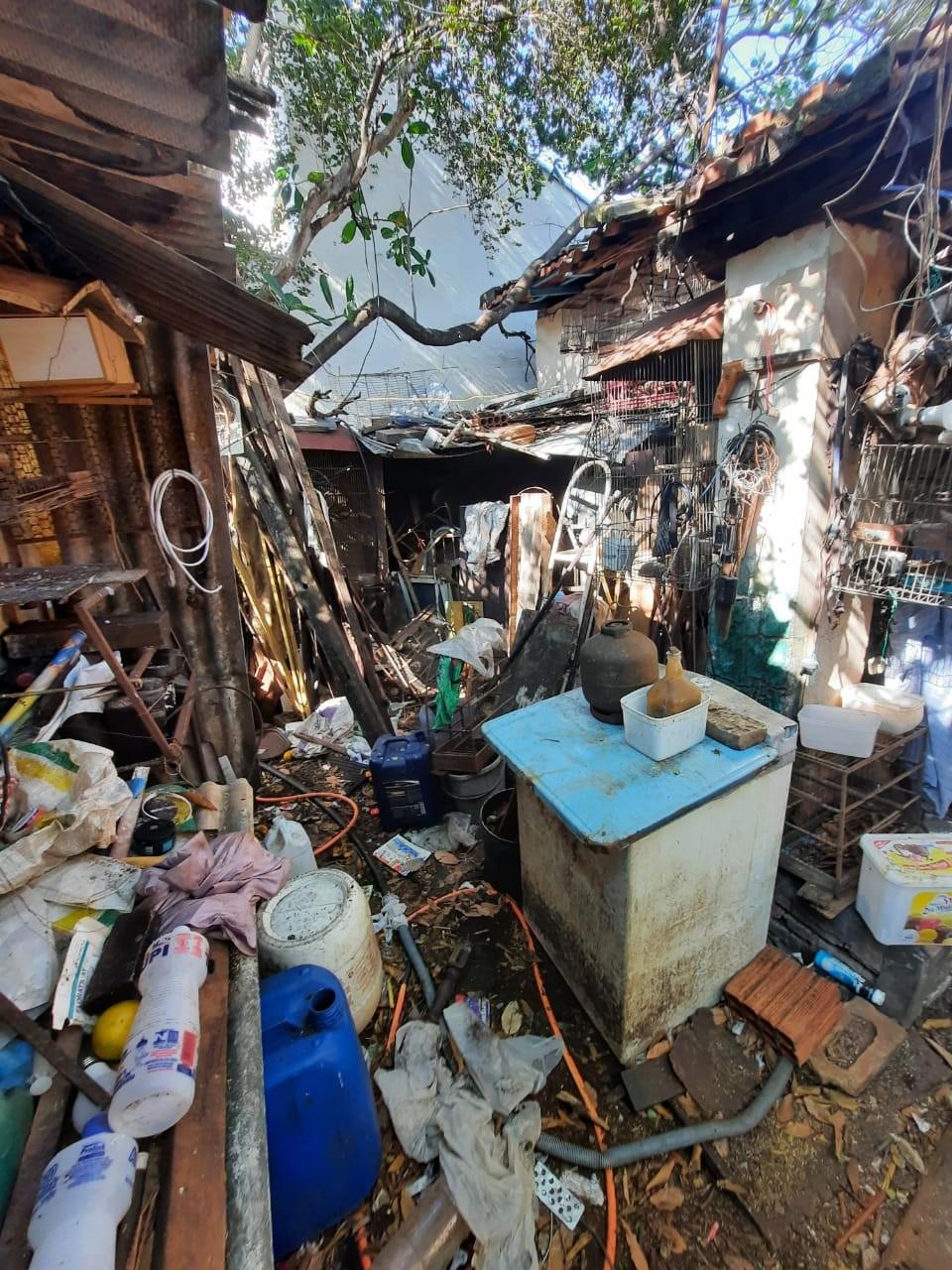 Vigilância Ambiental retira quatro toneladas de lixo de casa no interior de SP