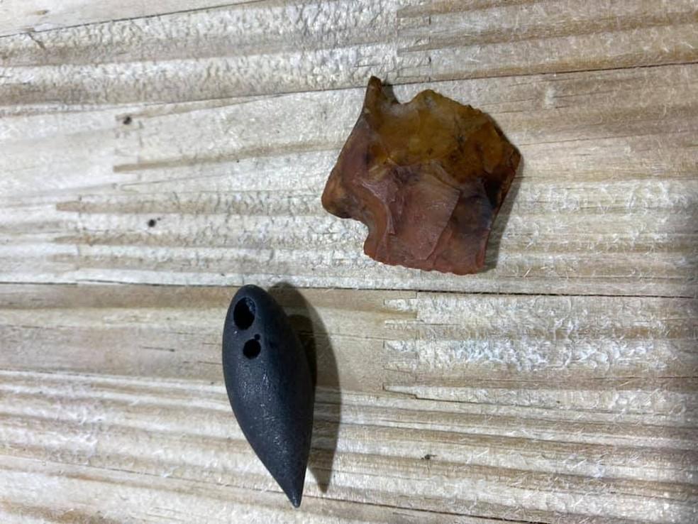 Objetos foram encontrados dentro do estômago do crocodilo — Foto: Red Antler Processing | Reprodução