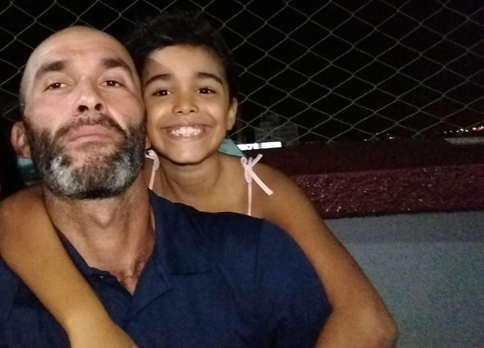 Anderson e a filha Maria Rita morreram afogados no Rio Ribeira de Iguape — Foto: Arquivo Pessoal
