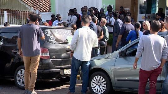 Corpo de motorista assassinado em Porto Alegre chega ao Senegal e é sepultado, diz entidade