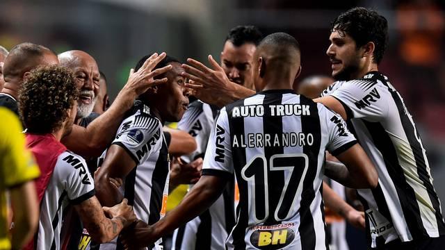 Jogaodres comemorando o gol de Elias, Atlético-MG x La Equidad - Copa Sul-Americana
