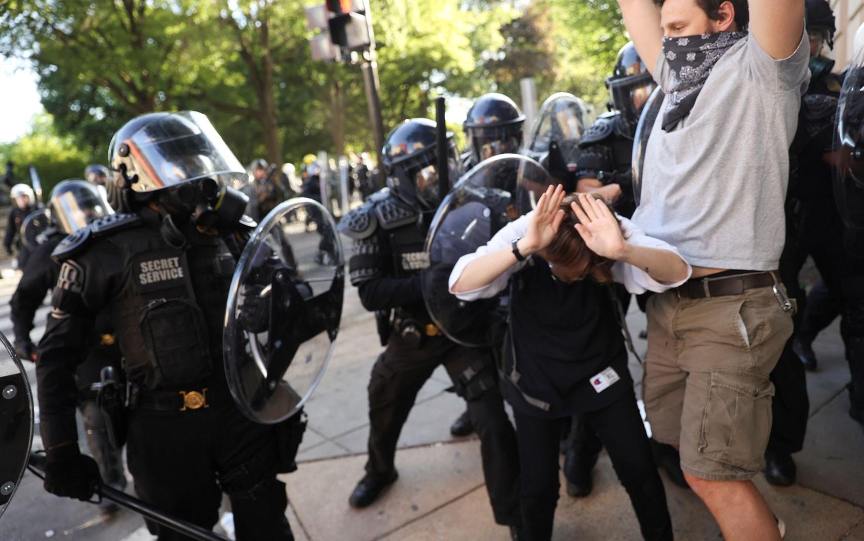 Você viu? Protestos nos EUA, recorde de mortes no Brasil, casos Madeleine e Miguel e mais notícias da semana