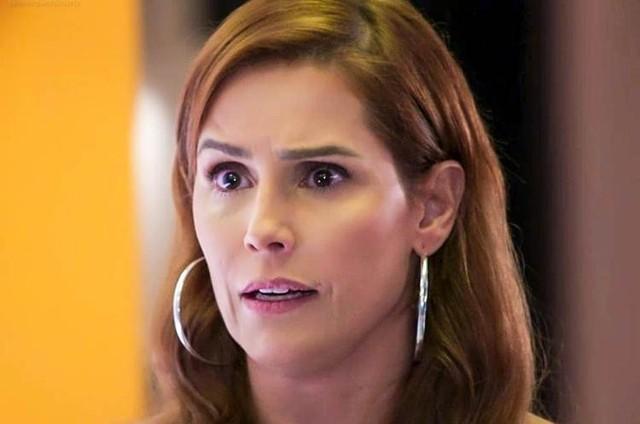 Deborah Secco é Alexia (Foto: TV Globo)