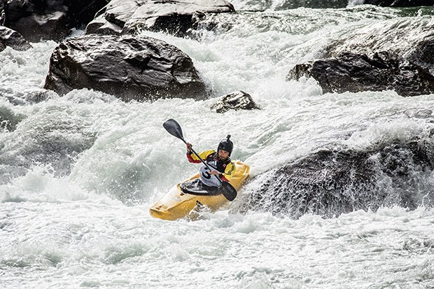 Michele Ramazza of Italy during his run in the finals of the Adidas Sickline Extreme Kayak World Championships at Oetztal, Tirol, Austria on October 07, 2017. // Dean Treml/Red Bull Content Pool // P-20171008-02539 // Usage for editorial use only // Pleas (Foto: Divulgação)