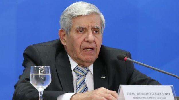 O general Augusto Heleno, do GSI: expectativa é de que sínodo discuta apenas temas religiosos (Foto: Presidência da República via BBC News)