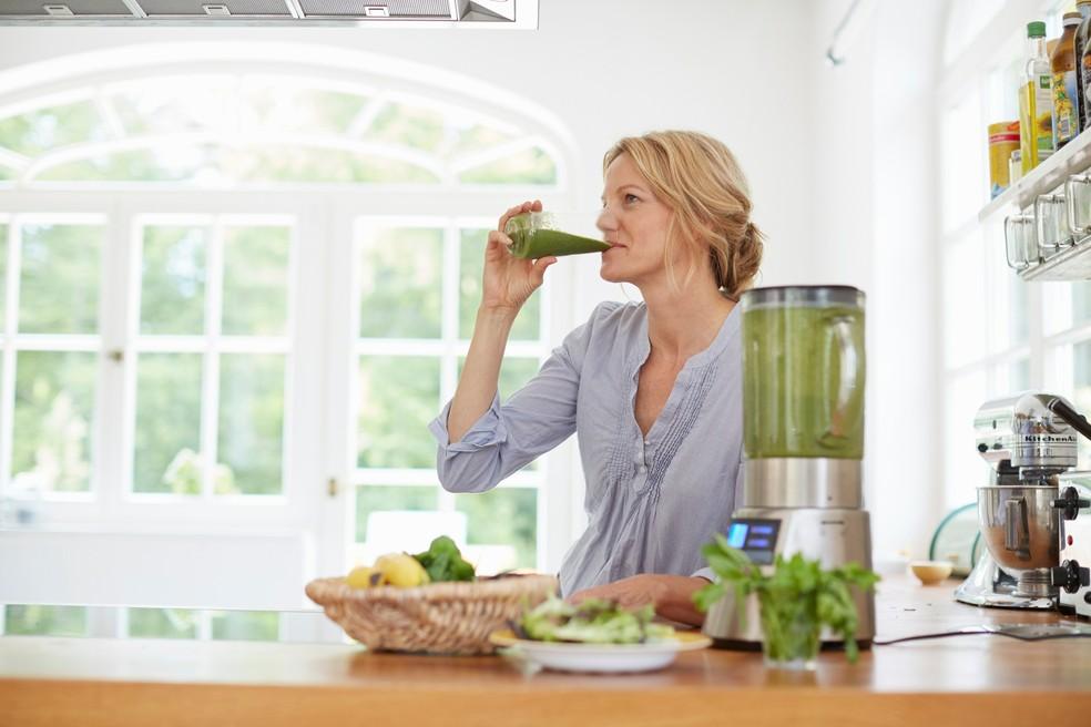 Para evitar acúmulo de toxinas, opte sempre por produtos naturais (Foto: Getty Images)