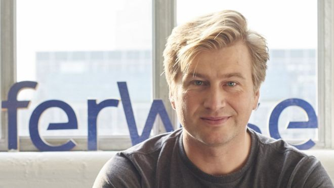 No início, Kristo Kaarmann se perguntou se alguém confiaria em um site 'criado por dois estonianos' (Foto: HERMIONE via BBC News Brasil)