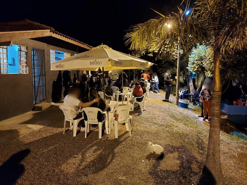 Evento foi realizado nesta sexta-feira (30) no restaurante de um pesqueiro em Marília — Foto: Vigilância Sanitária de Marília/Divulgação