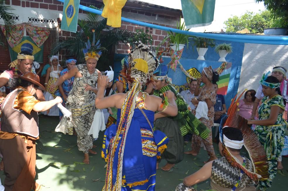 -  Divindades do Candomblé são cultuadas com alegria em Santarém, no Pará  Foto: Jéssica Luz/G1