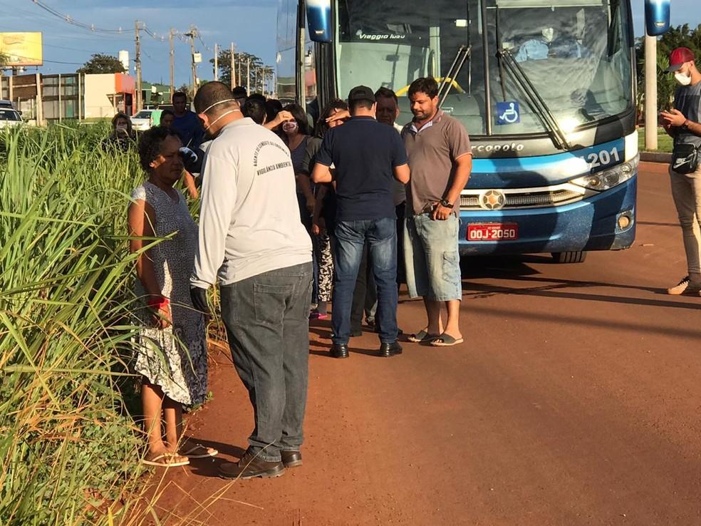 Pessoas são monitoradas ao entrar municípios — Foto: Franthescolly Gomes