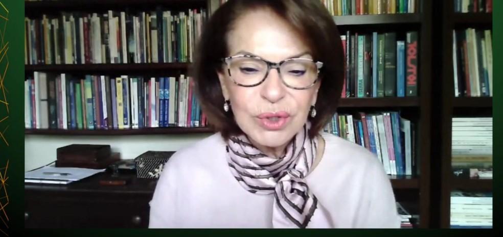 Maria Helena Guimarães de Castro, presidente do CNE, em transmissão on-line de congresso — Foto: Reprodução
