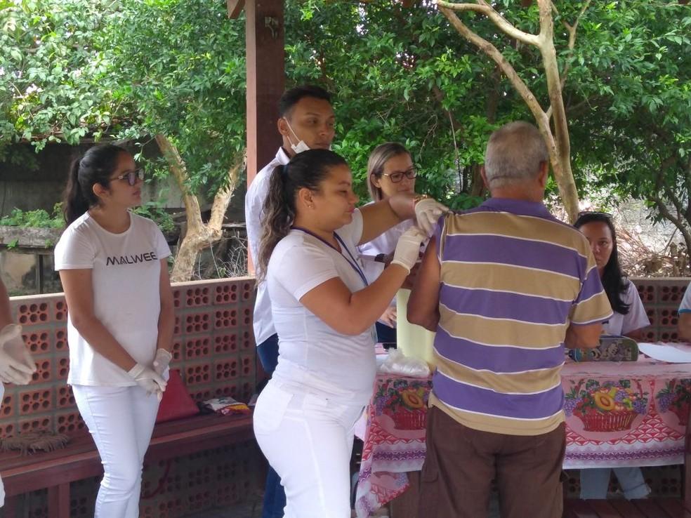 -  Movimentação em pontos de vacinação no Dia   39;D  39; de vacinação contra a gripe em Santarém  Foto: Daniele Gambôa/TV Tapajós