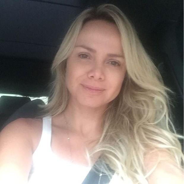 Eliana posa sem maquiagem (Foto: Reprodução / Instagram)