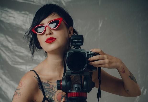 Como diretora de fotografia, Camila Cornelsen imprime sua marca a vídeos musicais, filmes, retratos e peças publicitárias (Foto: Camila Cornelsen)