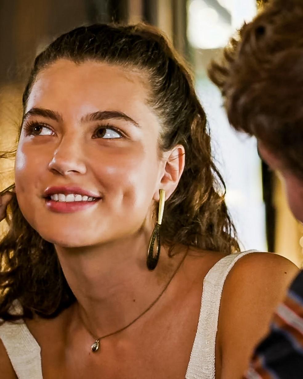 Rita (Alanis Guillen) fala da alegria que é ver Nina, em 'Malhação - Toda Forma de Amar' — Foto: Globo
